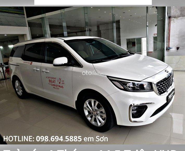 Bán xe Kia Sedona 2.2 AT Luxury sản xuất năm 2021, màu trắng0