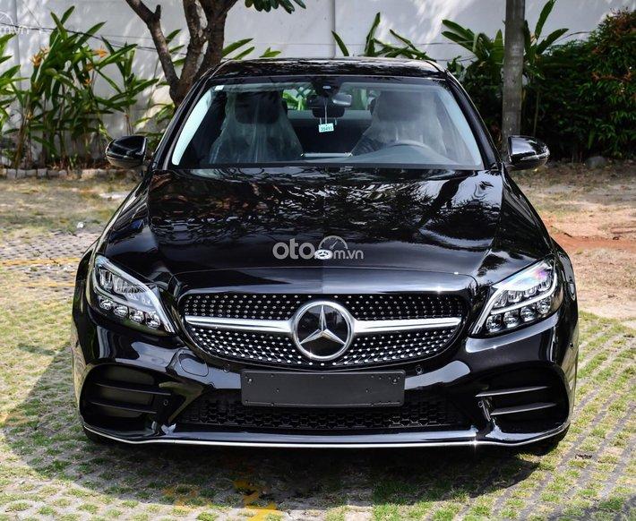 [ Mercedes - Benz Hồ Chí Minh ] Mercedes-Benz C180 AMG 2021 đủ màu giao ngay, ưu đãi tốt0