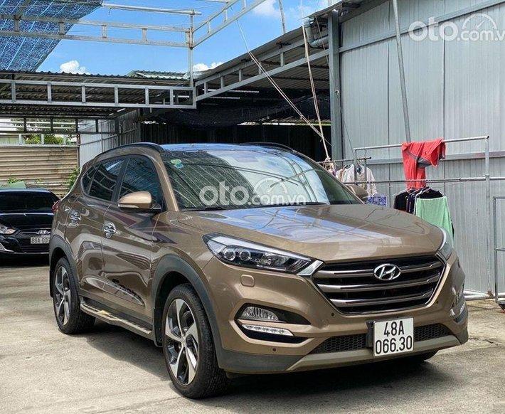 Bán nhanh với giá ưu đãi nhất chiếc Hyundai Tucson đời 2018, màu nâu0