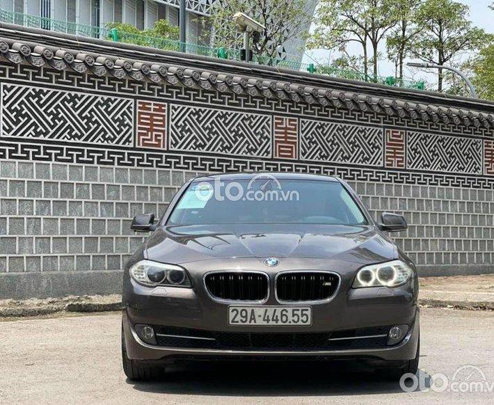Bán BMW 523i đời 2011, màu xám, giá cạnh tranh0