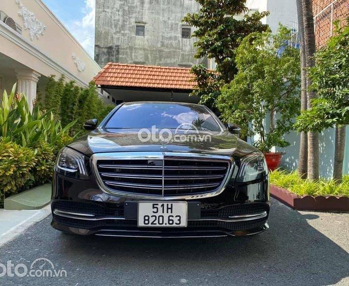 Ngân hàng hỗ trợ 70%, Mercedes S450 màu đen đi 1.300km0