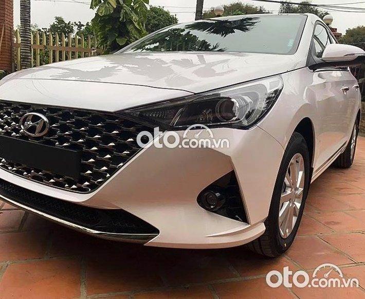 Cần bán lại xe Hyundai Accent 1.4 AT 2021, màu trắng như mới, 540 triệu0