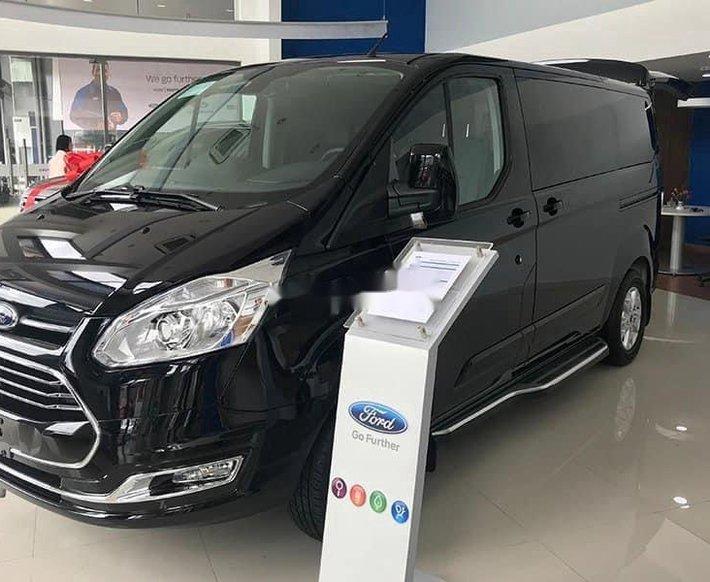 Bán ô tô Ford Tourneo Ecoboost AT sản xuất năm 2021, màu đen, 935 triệu0