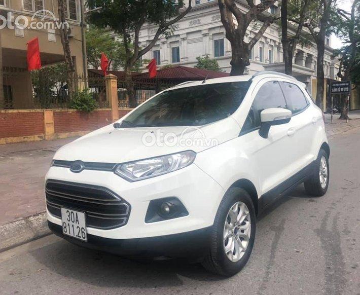 Cần bán lại xe Ford EcoSport đời 2015, màu trắng0