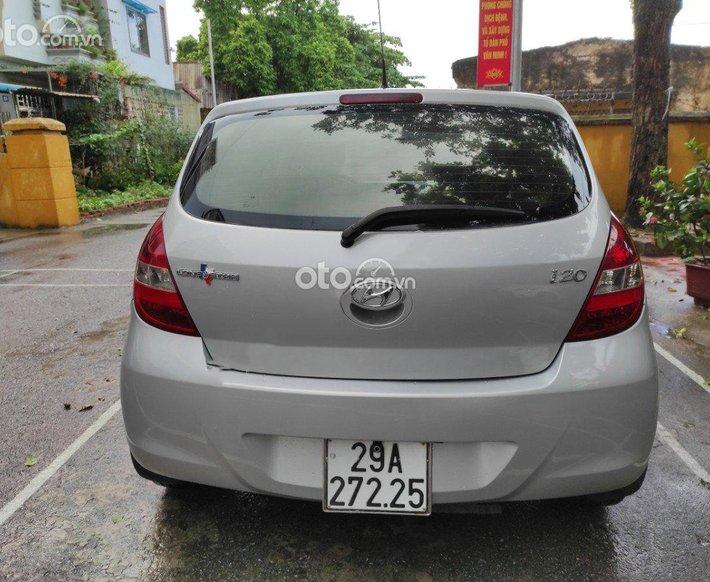 Bán Hyundai i20 sản xuất năm 2010, màu bạc, nhập khẩu còn mới0