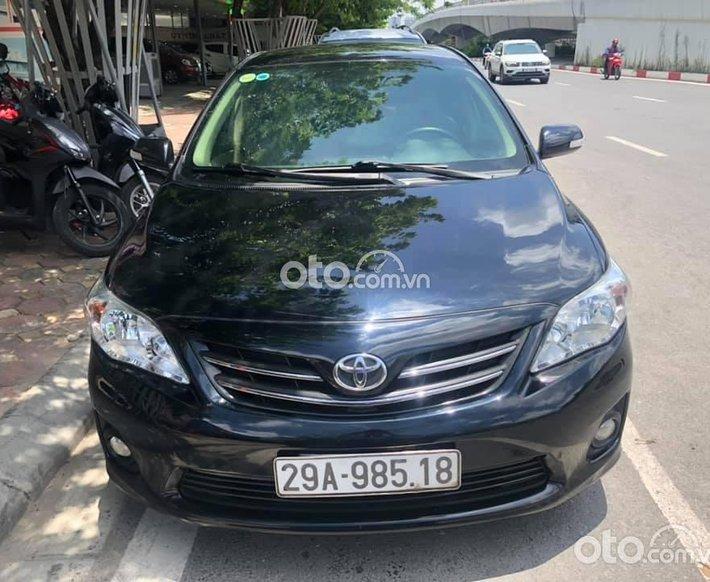 Cần bán gấp Toyota Corolla Altis sản xuất 2013, màu đen0