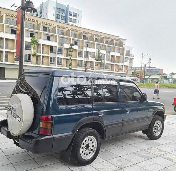Bán xe Mitsubishi Pajero sản xuất 1998, màu đen0