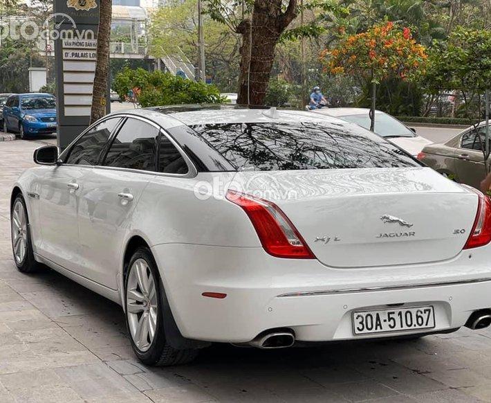 Cần bán gấp Jaguar XJL năm sản xuất 2013, màu trắng, nhập khẩu nguyên chiếc0