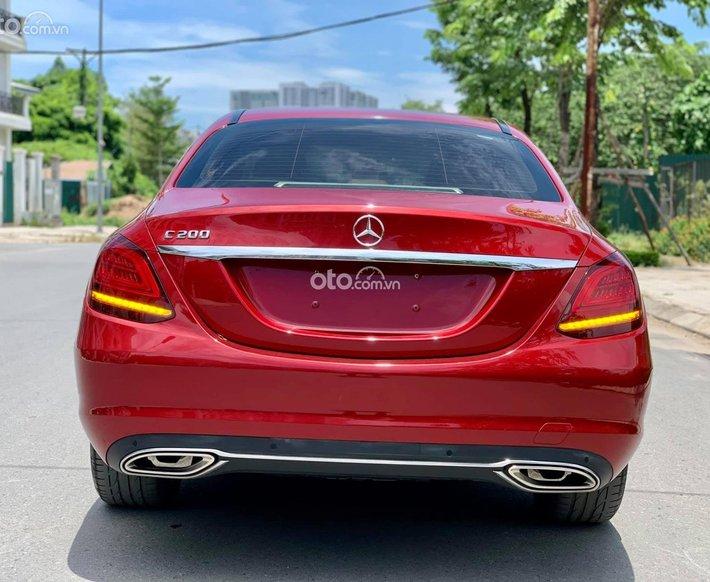 Bán xe Mercedes C200 đời 2019, màu đỏ còn mới0