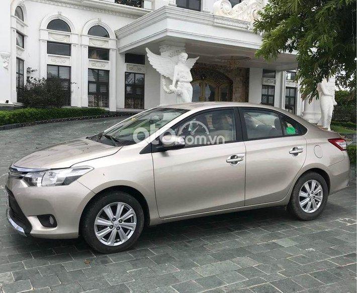 Cần bán Toyota Vios bản E số sàn, 2015, gia đình sử dụng0