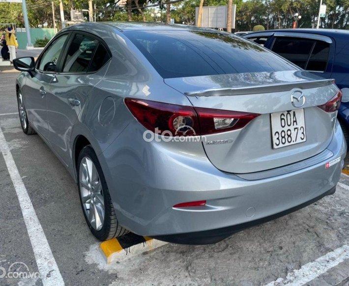 Bán Mazda 3 sản xuất 2017, màu bạc còn mới, 585 triệu0