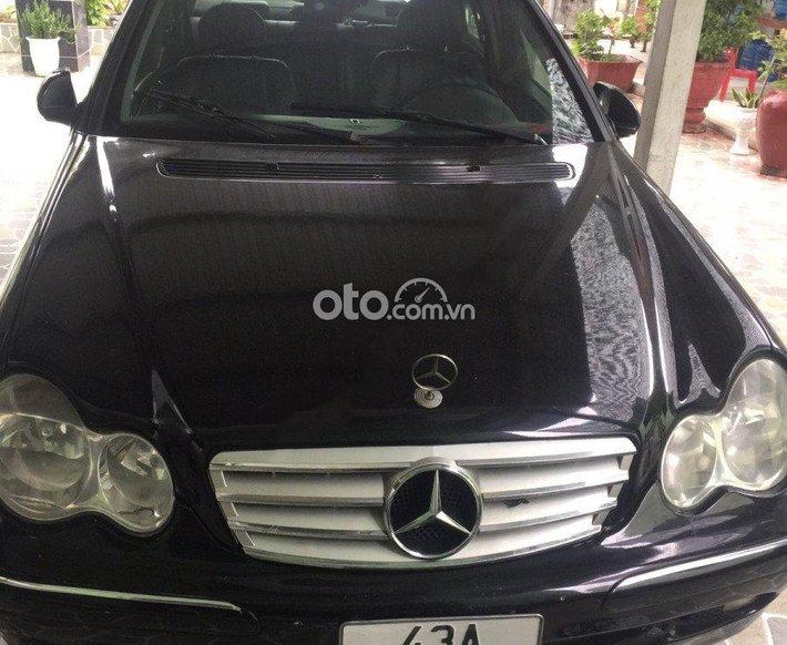 Bán xe Mercedes C180 sản xuất 2002, màu đen còn mới, giá 110tr0