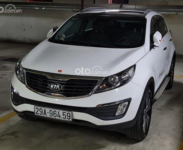 Cần bán gấp Kia Sportage 2.0 AT sản xuất năm 2013, màu trắng, xe nhập  0