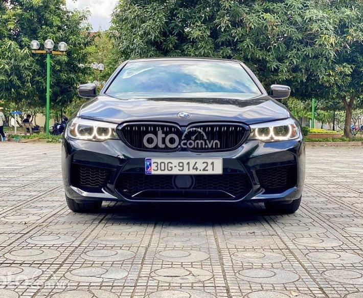 Bán ô tô BMW 520i sản xuất 2019, màu đen0