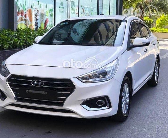 Bán Hyundai Accent năm 2020, màu trắng còn mới0