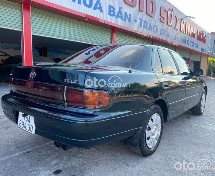 Cần bán xe Toyota Camry 3.0 V6 đời 1993, màu xanh lục giá mềm nhũn0