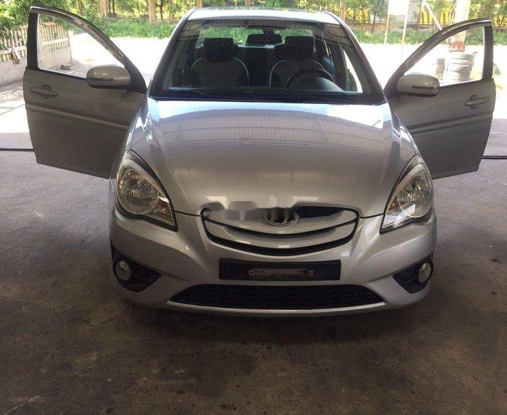 Cần bán Hyundai Verna đời 2009, màu bạc, nhập khẩu nguyên chiếc còn mới giá cạnh tranh0