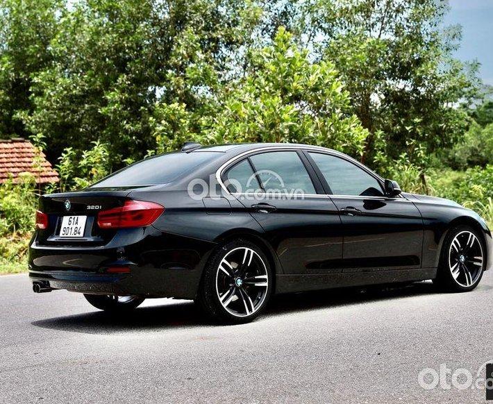 Bán xe BMW 320i sản xuất 2017, màu đen, xe nhập số tự động0