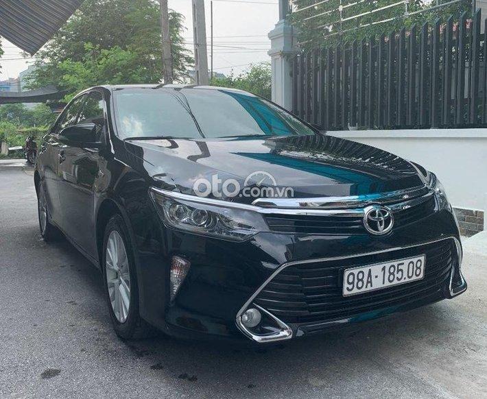 Cần bán xe Toyota Camry 2.0 E đời 2018, màu đen  0