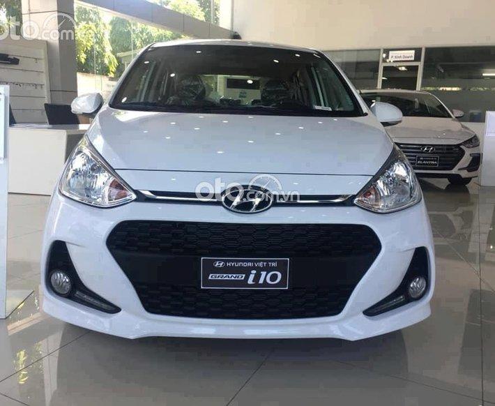 Cần bán xe Hyundai Grand i10 năm 2021, màu trắng, giá chỉ 326 triệu0