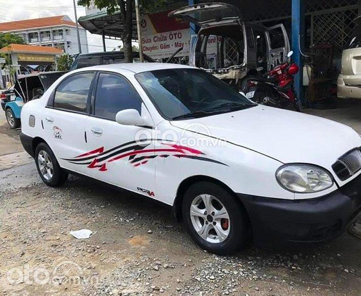 Bán Daewoo Lanos năm sản xuất 2001, màu trắng0