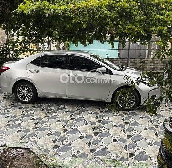 Cần bán gấp Toyota Corolla Altis sản xuất năm 2014, màu bạc còn mới, giá chỉ 498 triệu0