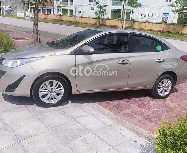 Cần bán xe Toyota Vios 1.5E CVT năm 2020, màu vàng như mới0