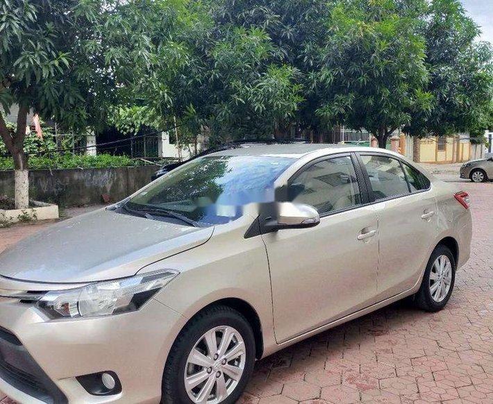 Cần bán gấp Toyota Vios 2014, màu xám còn mới giá cạnh tranh0