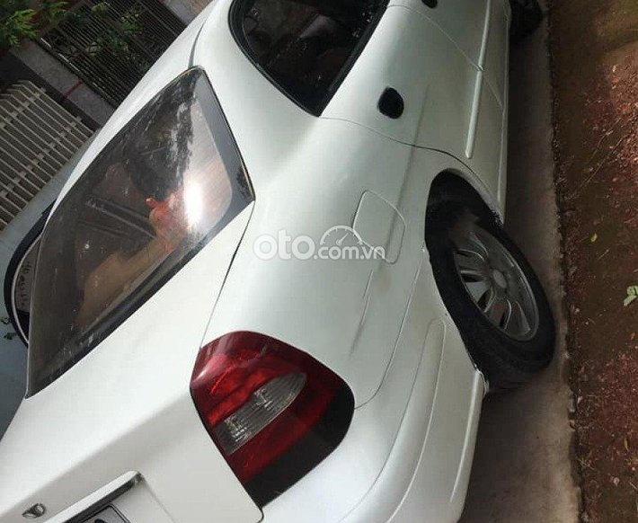 Cần bán Daewoo Nubira năm sản xuất 2003, màu trắng giá cạnh tranh0