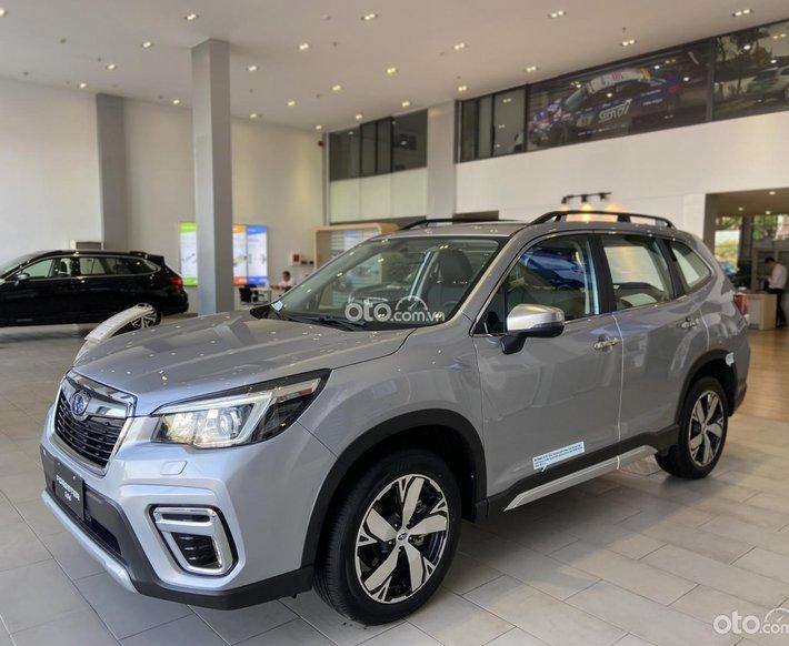 [Siêu Hot] Subaru Forester iS 2020 nhập khẩu - Màu bạc - Sở hữu ngay khuyến mãi 200tr tiền mặt + phụ kiện chính hãng0