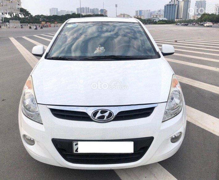 Bán ô tô Hyundai i20 1.4 AT năm sản xuất 2011, màu trắng, xe nhập còn mới0