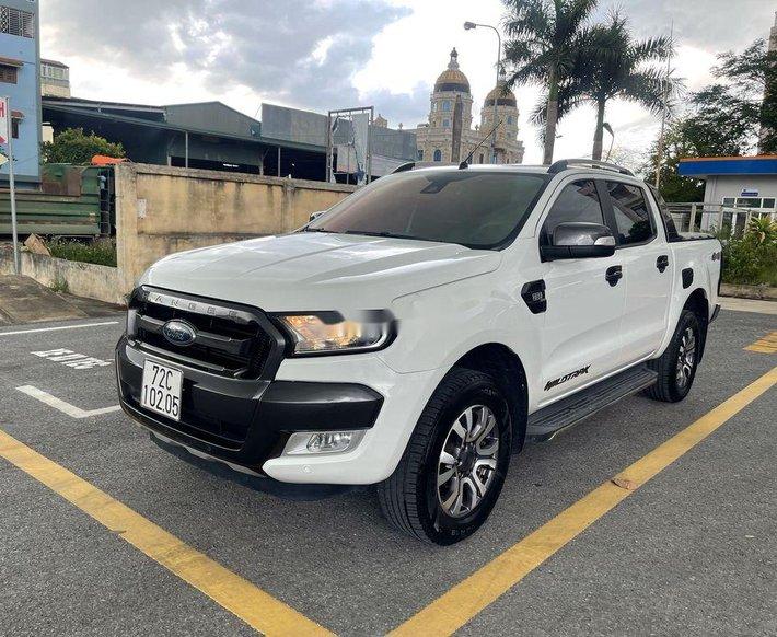 Bán ô tô Ford Ranger Wildtrak 2016, màu trắng chính chủ, giá 685tr0