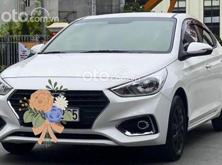 Bán Hyundai Accent 1.4 MT Base sản xuất 2020, màu trắng còn mới0