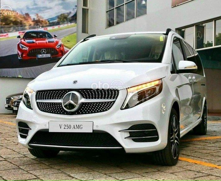 Bán xe Mercedes-Benz V250 đăng ký lần đầu 2021 nhập khẩu, giá 3 tỷ 232tr0