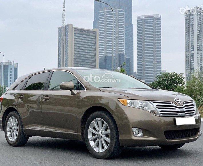 Cần bán lại xe Toyota Venza đời 2009, màu nâu, xe nhập giá tốt0