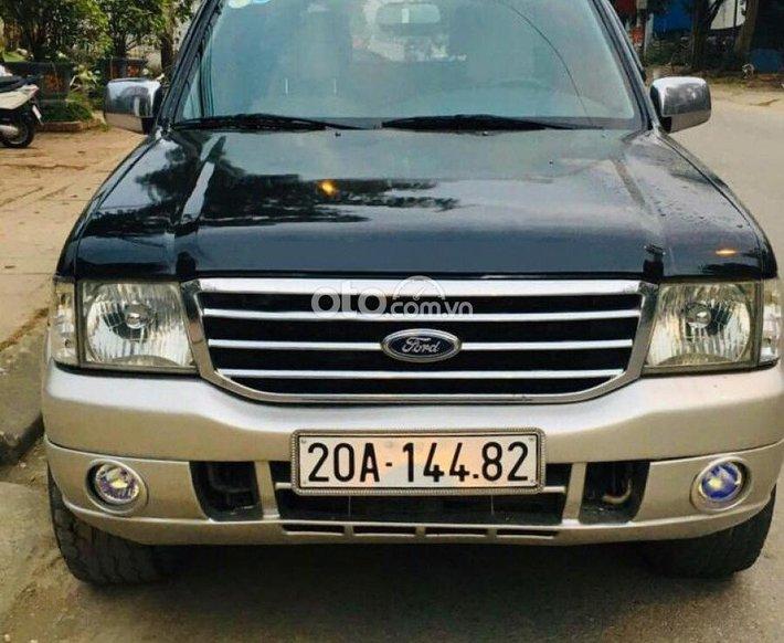 Cần bán gấp Ford Everest 2.5L 4x2 MT năm 2005, màu đen số sàn, giá 160tr0