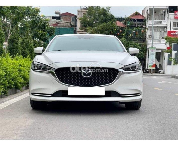 Bán Mazda 6 năm sản xuất 2021, màu trắng0