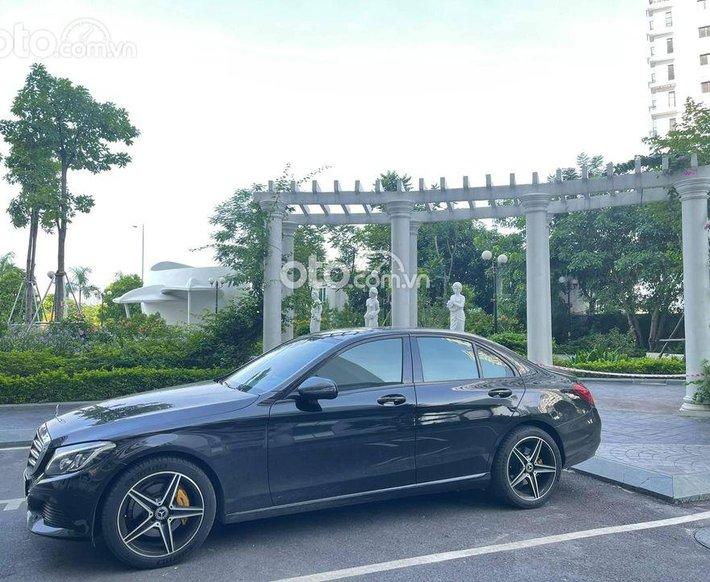 Bán xe Mercedes C250 sx 2018 đen nội thất đen0
