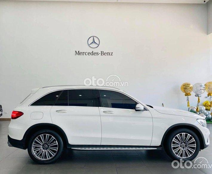 Xe Mercedes GLC250 4matic 2019, màu trắng, bank hỗ trợ 70% giá trị xe0