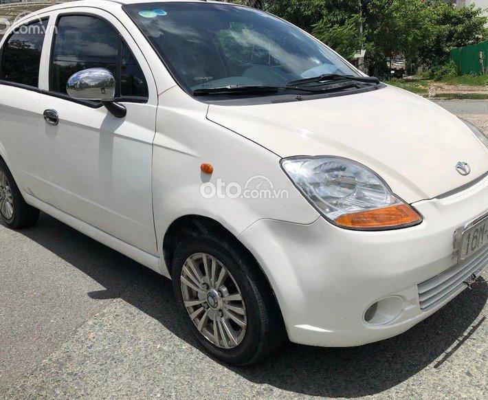Bán Daewoo Matiz năm 2005, màu trắng, nhập khẩu nguyên chiếc số tự động, giá 98tr0