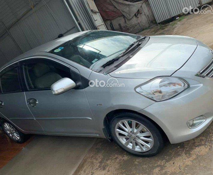 Bán Toyota Vios 1.5E sản xuất năm 2012, màu bạc số sàn, giá tốt0