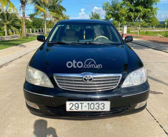 Bán Toyota Camry năm sản xuất 2003, màu đen số tự động0