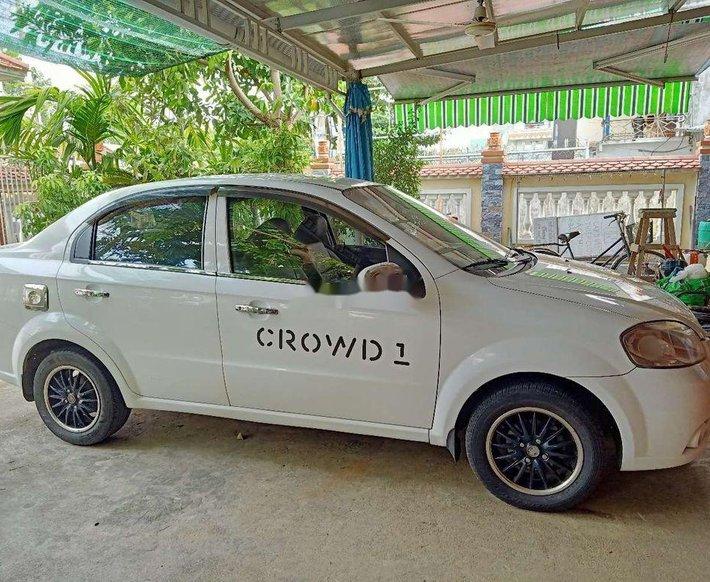 Cần bán Chevrolet Aveo năm sản xuất 2012, màu trắng số sàn, giá tốt0