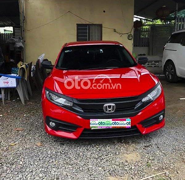 Cần bán xe Honda Civic 1.5G Vtec Turbo đời 2018, màu đỏ, xe nhập còn mới0
