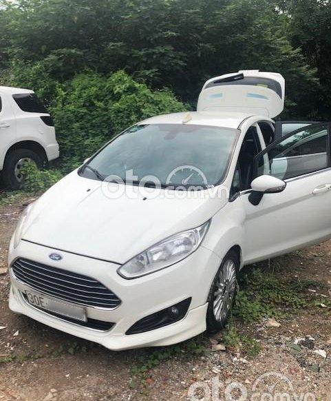 Ngân hàng phát mại Xe Ford Fiesta AT năm sản xuất 20160