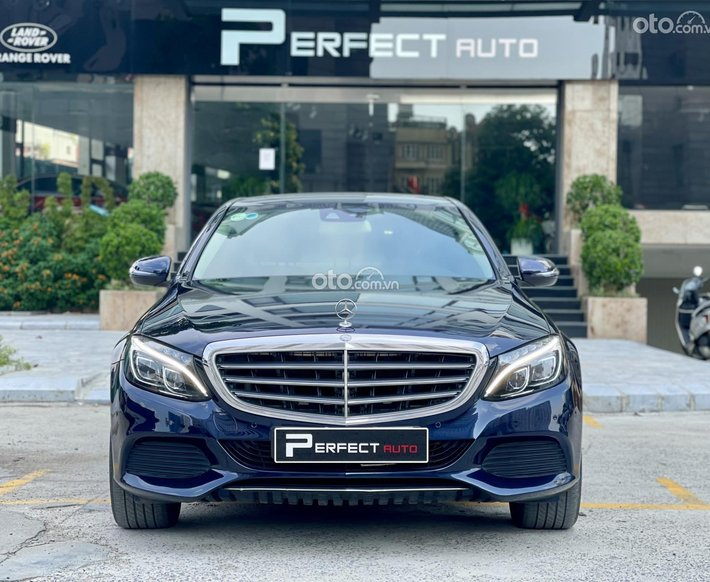 Cần bán Mercedes-Benz E200 đăng ký 2017 xe gia đình giá tốt 1 tỷ 550tr0