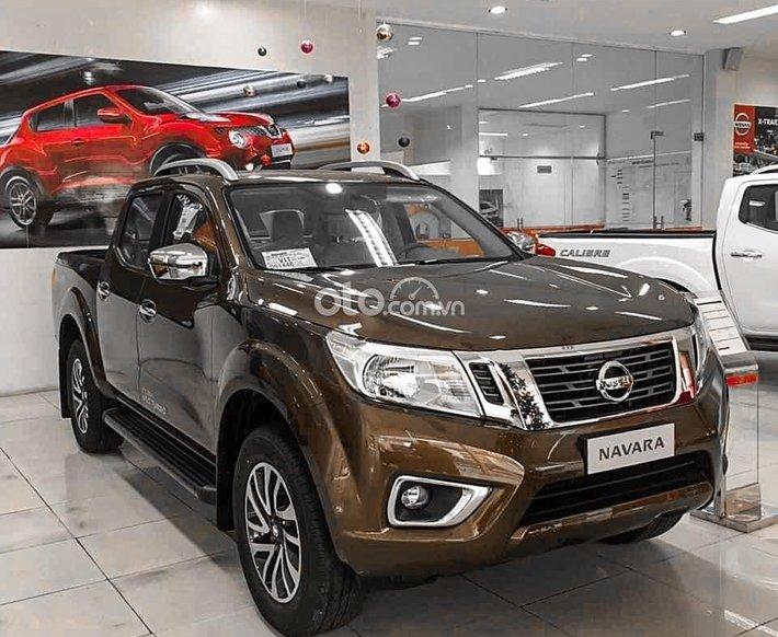 Bán xe Nissan Navara đời 2021, màu nâu, nhập khẩu, giá 748tr0