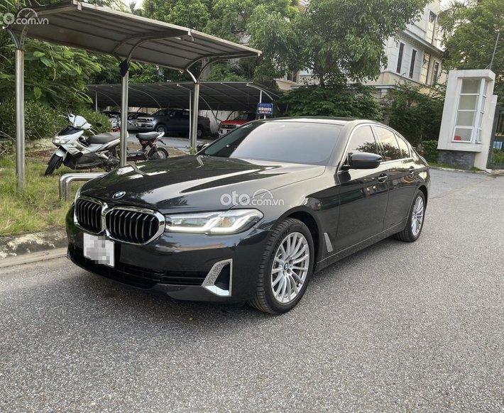 Bán xe BMW 520i năm sản xuất 2021, màu xám0