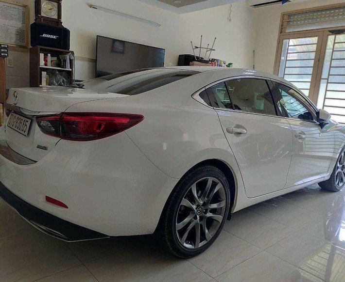 Bán ô tô Mazda 6 2.5 Premium đời 2018, màu trắng, giá chỉ 779 triệu0