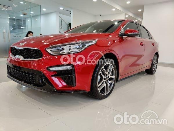 Bán ô tô Kia Cerato 2.0 AT Premium 2021, màu đỏ, giá chỉ 620 triệu0